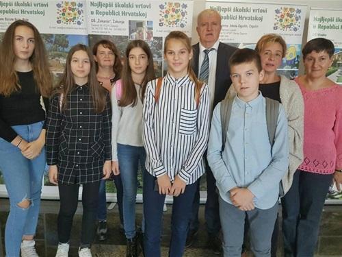 Osnovna Skola Bartol Kasic Osvojila Nagradu Najljepsi Skolski Vrtovi